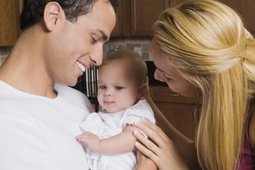 Първи стъпки в общуване с детето